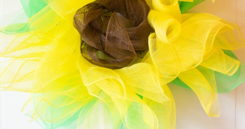 Deco Mesh Sunflower Wreath